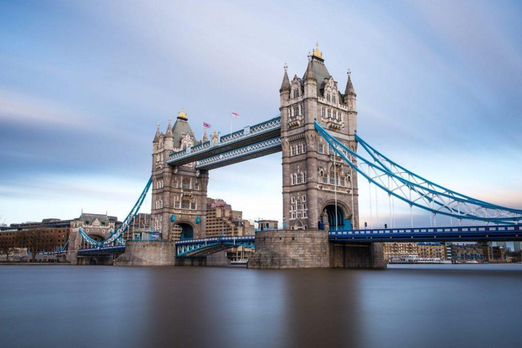 93552069-london-tower-bridge-across-the-river-thames