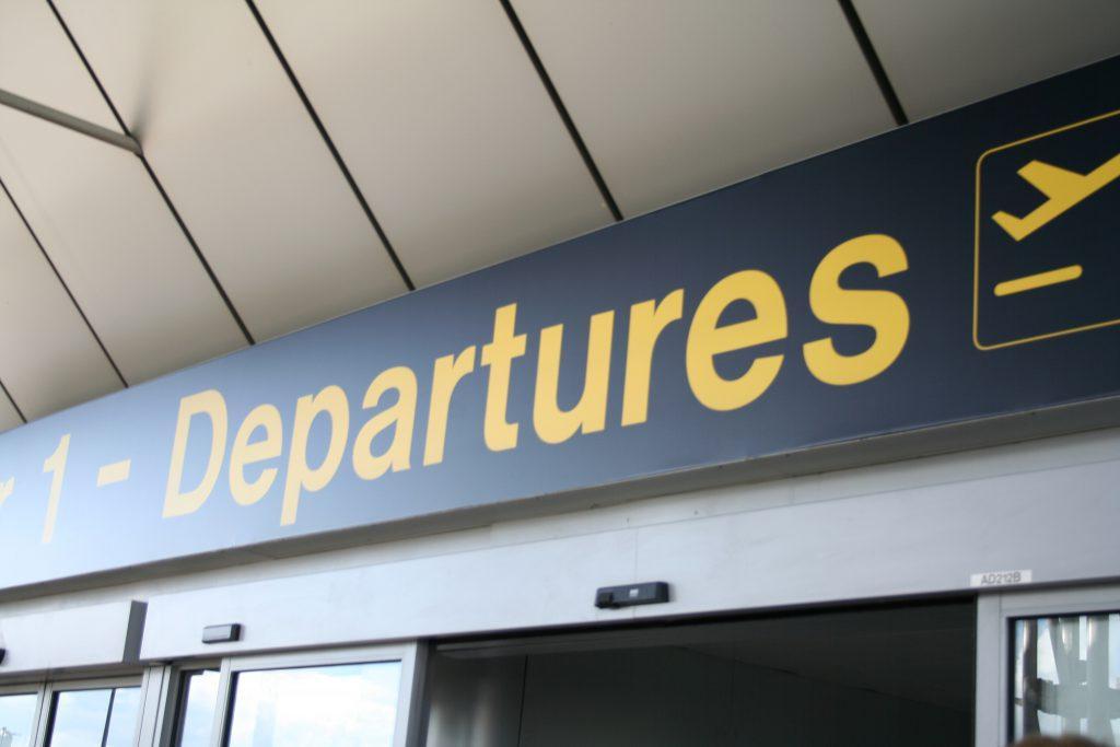 terminal de depart d aeroport